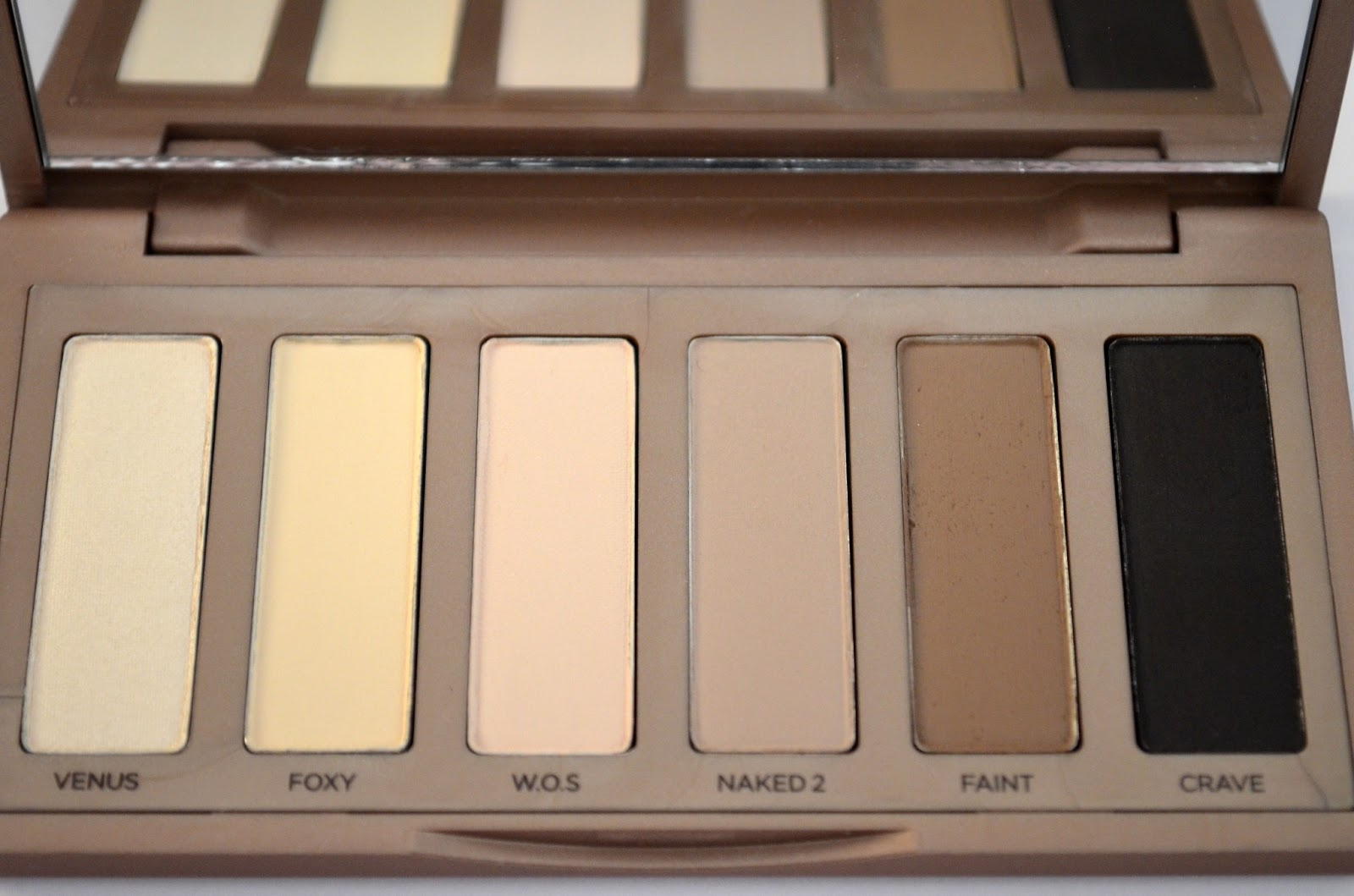 Palette naked eyes urban decay des couleurs qui tiennent - Palette de maquillage pas chere ...