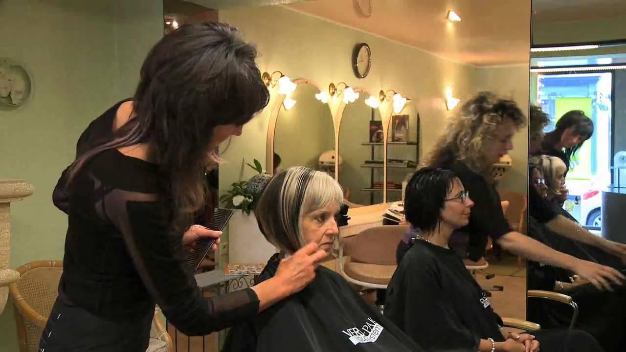 Salon de coiffure il faut tre honn te cela coute cher for Salon de coiffure paris pas cher